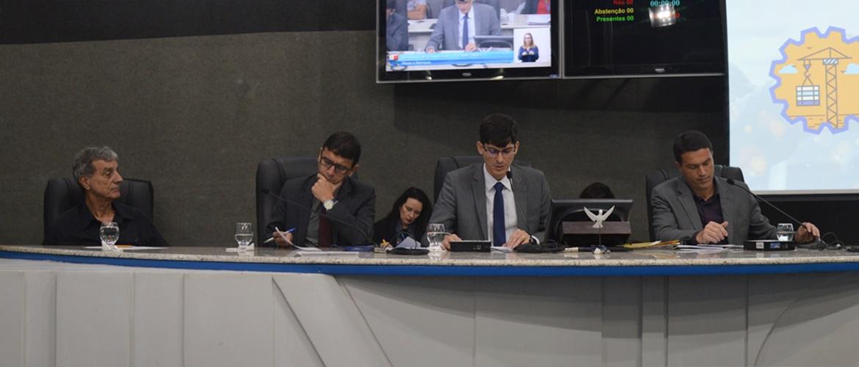 Comissão de Obras e Serviços debate paralisações e recisões de contratos no Município de Vitória