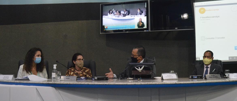 Frente Parlamentar de Acompanhamento à Vacinação Contra a Covid-19 realiza primeira reunião com equipe da Semus