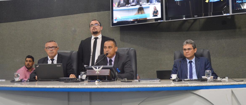 Em Sessão Ordinária vereadores apreciam duas matérias