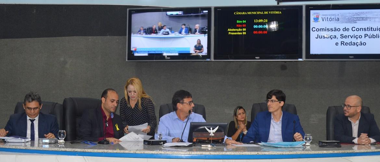 Projeto proíbe contratação de servidores condenados pela Lei Maria da Penha
