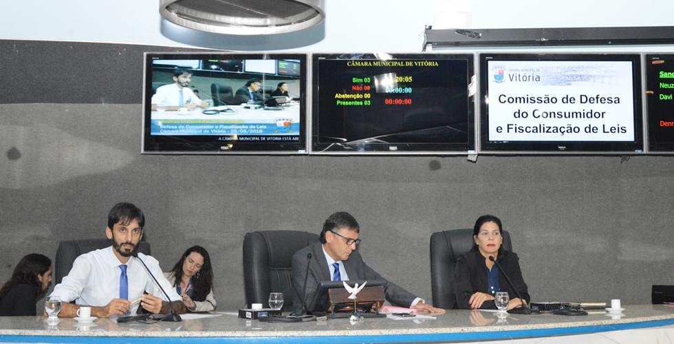 Comissão do Consumidor aprova projeto sobre recadastramento anual de servidores ativos